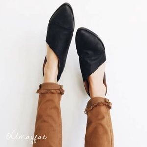 Shoes - New Black Side Cutout Flats